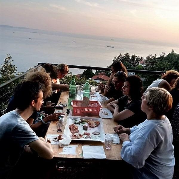 Vecher-so-studentami-v-Trieste-min-min