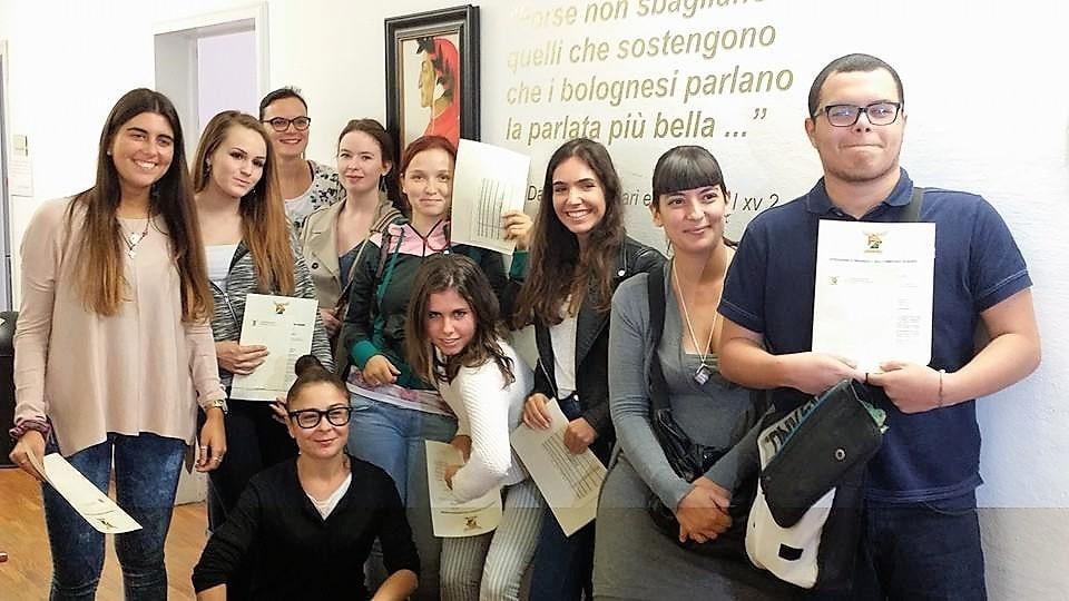 studenty-v-bolone5-min